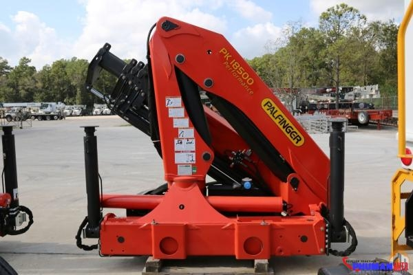 Cẩu gấp Palfinger PK18500 8 tấn