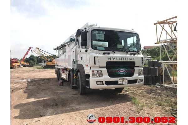 Xe bơm bê tông Hyundai HD310 4 chân cần KCP 48 mét