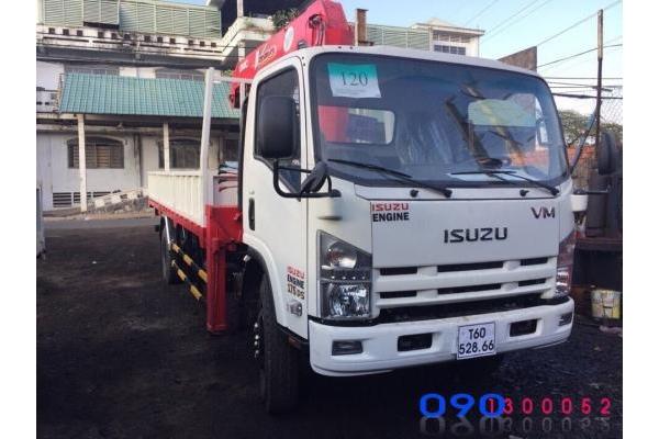 Xe tải Isuzu FN129 8.2 tấn gắn cẩu Unic 3 tấn